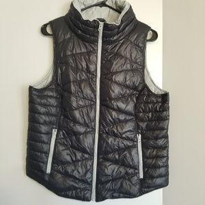 Puffer vest zip up w/pockets xl so brand